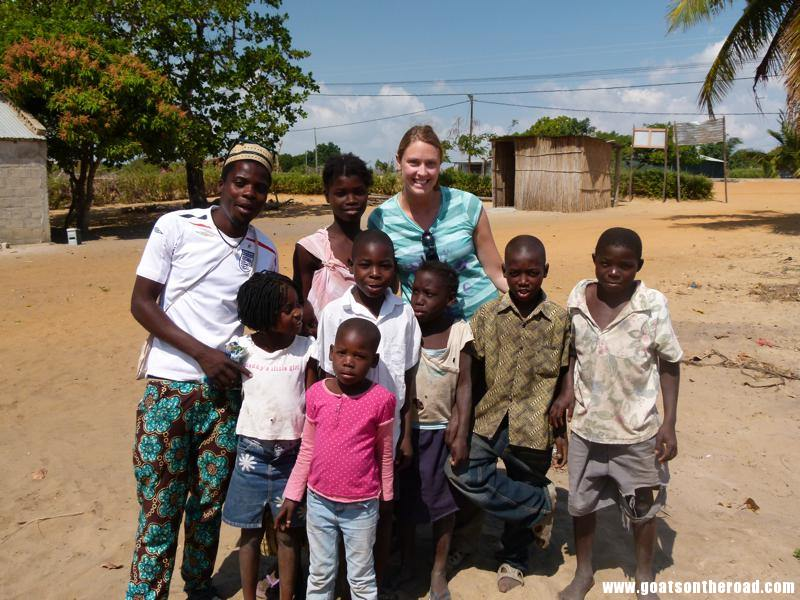 volunteer in mozambique