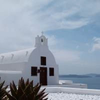 santorini-a-vacation-from-backpacking-the-world_