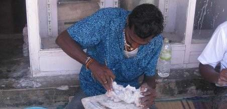 budget backpacking Marble Carver In Mahabalipuram