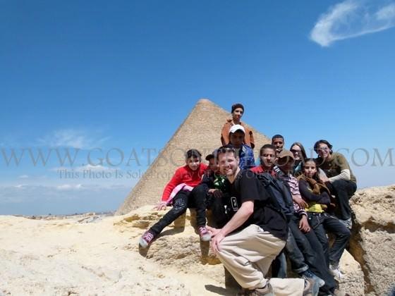 kids at pyramids