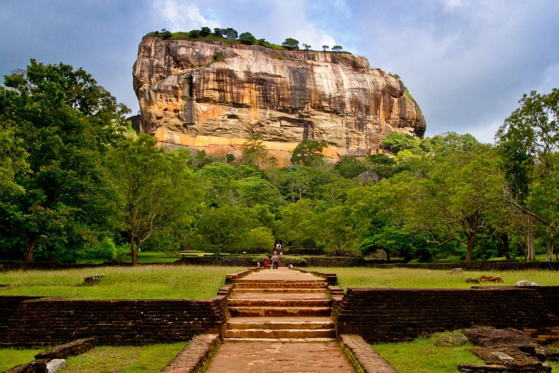 backpacking sri lanka sigiriya