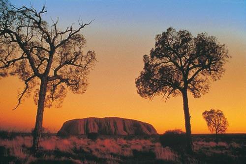 Uluru (Wiki-commons)