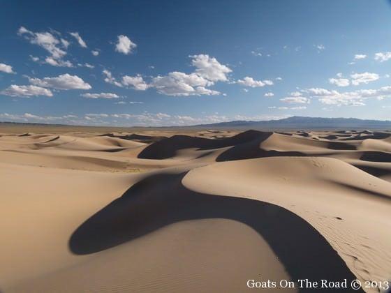 sand dunes gobi desert