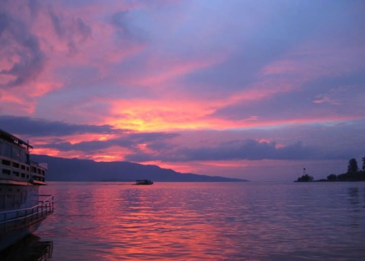 sunset indonesia lake toba