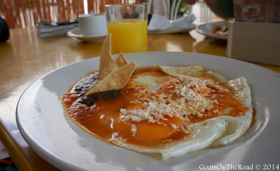 huevos rancheros mexican food