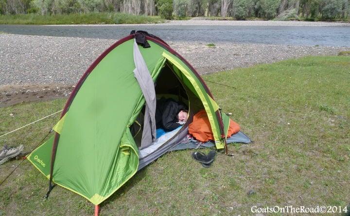 tent trekking in mongolia