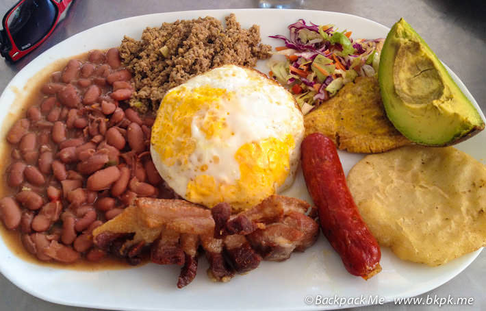 must try meals colombia