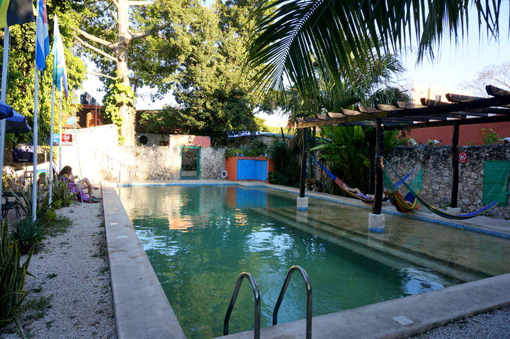 backpacking in mexico hostels