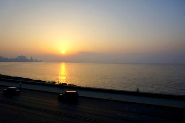 sunset malecon cuba