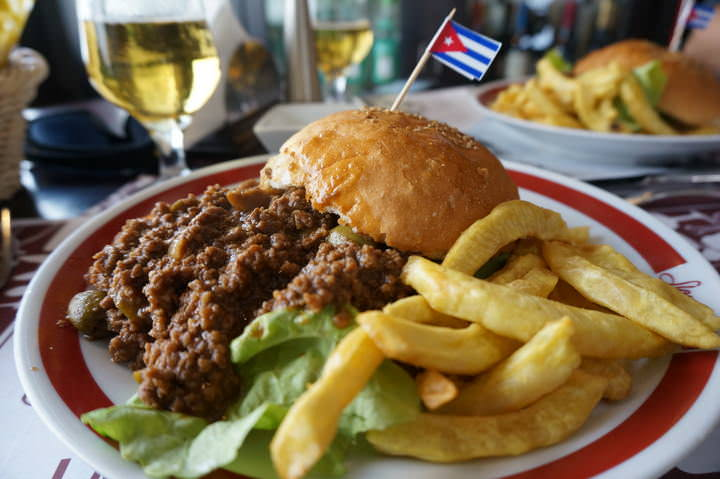 sloppy joes backpacking havana cuba