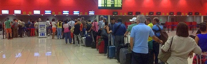 travel planning long line ups at airport