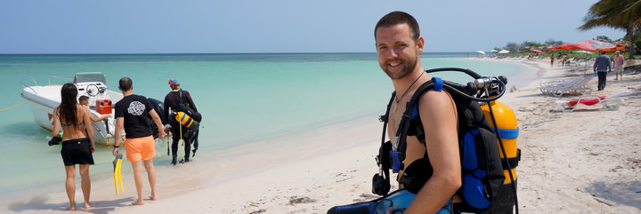 Diving and travelling Cuba