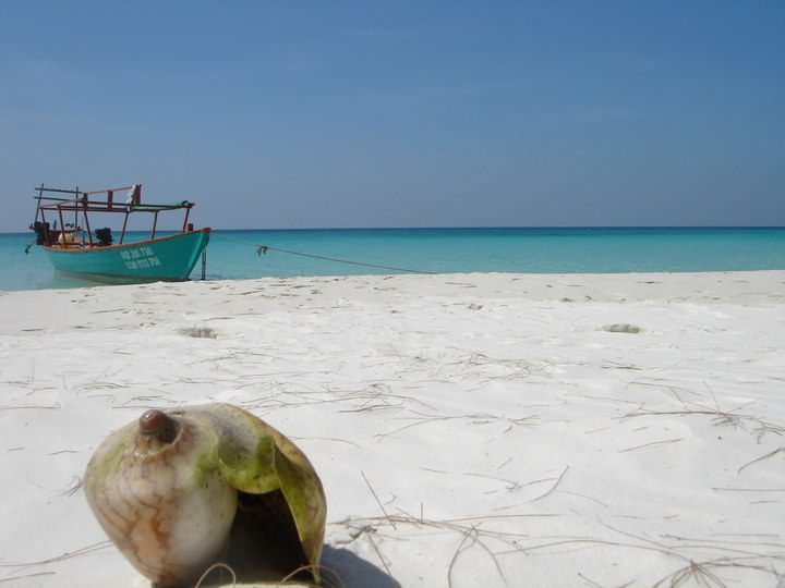 beach destination koh rong cambodia