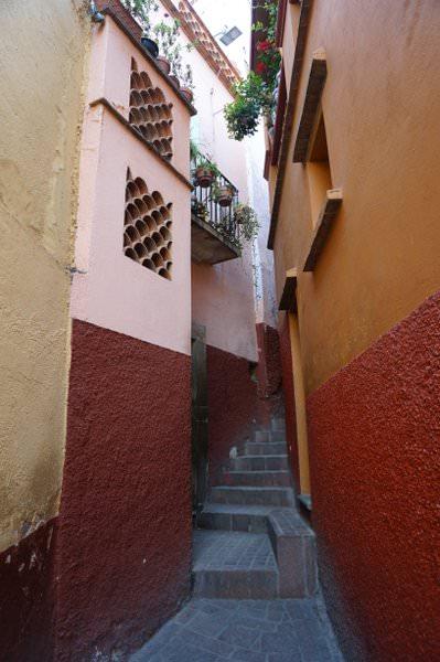 kissing alley guanajuato