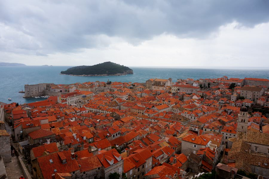 travel to dubrovnik croatia walk on the fort walls