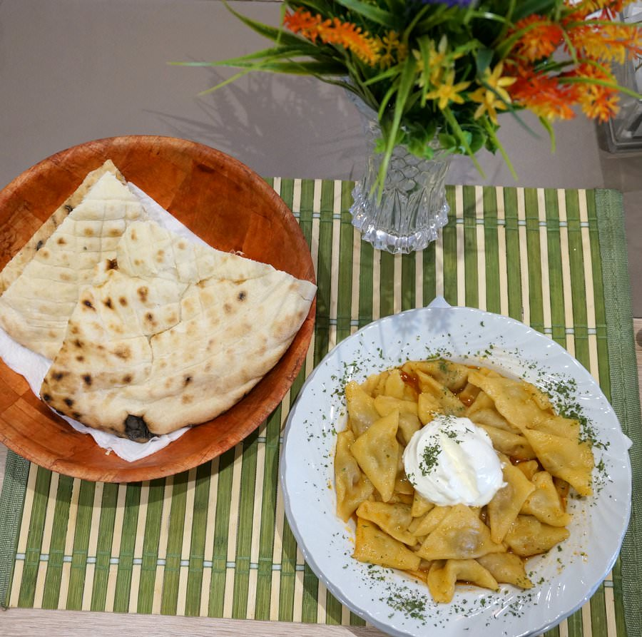 what to eat in bosnia klepe food