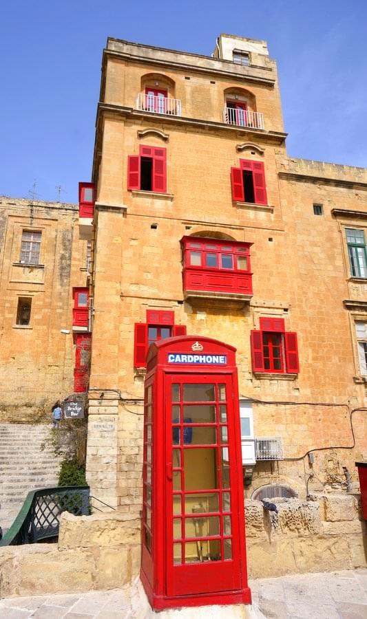 living in malta valletta