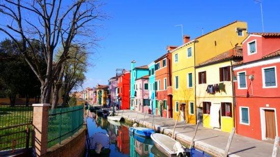travel to italy colourful city of burano venice