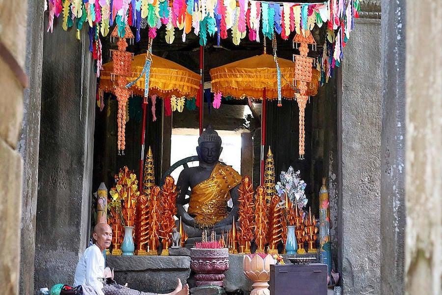 angkor temples, sras srang & banteay kdei, cambdia