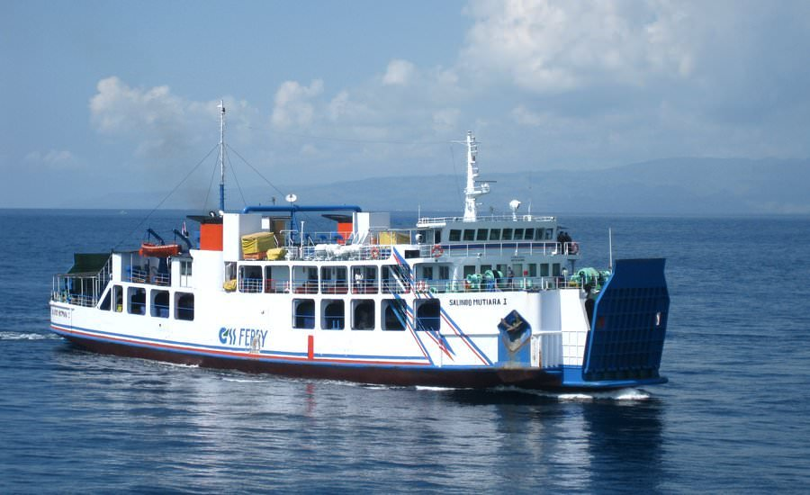 travel to lombok by ferry