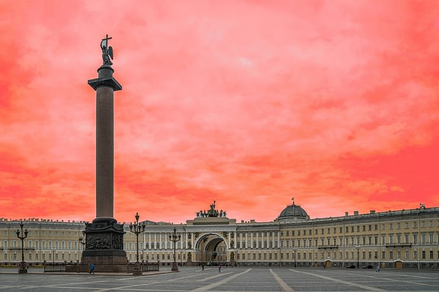 palace-square-1091581_640