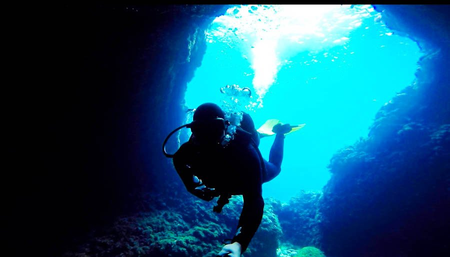 travel to malta scuba diving gozo