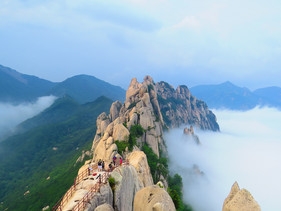 seoraksan hiking in south korea