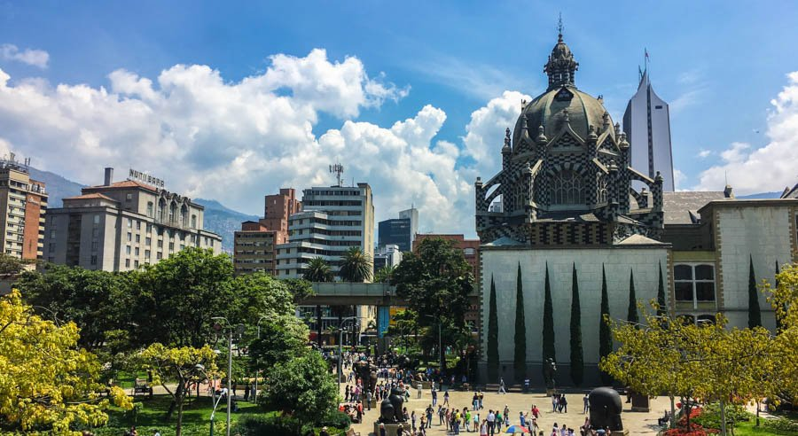 backpacking guide to medellin