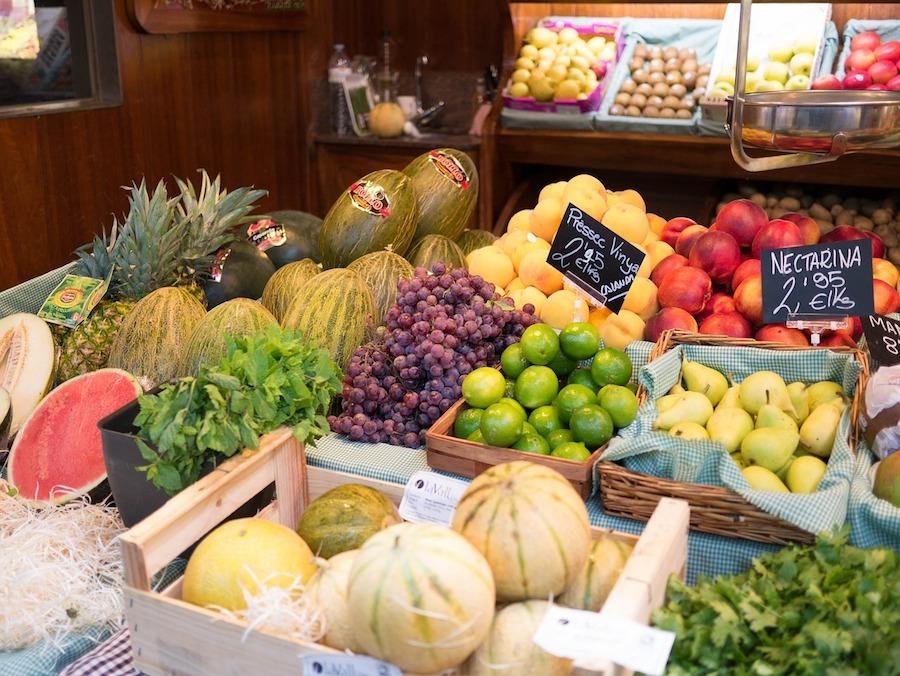 barcelona-market-fruit