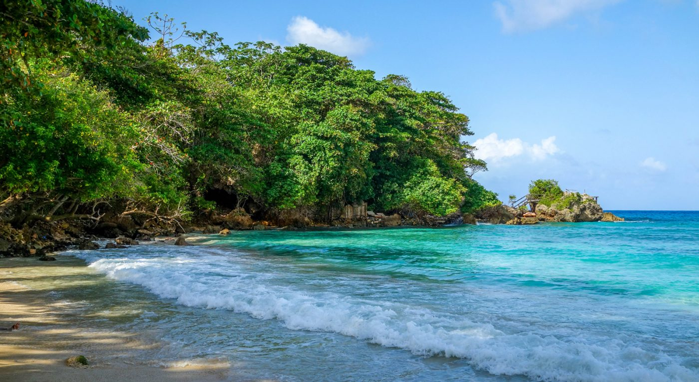 13 Reasons Why Jamaica is a Backpacker's Paradise - Goats ...