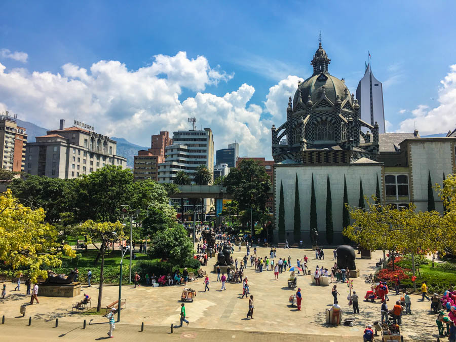 travel to medellin plaza botero