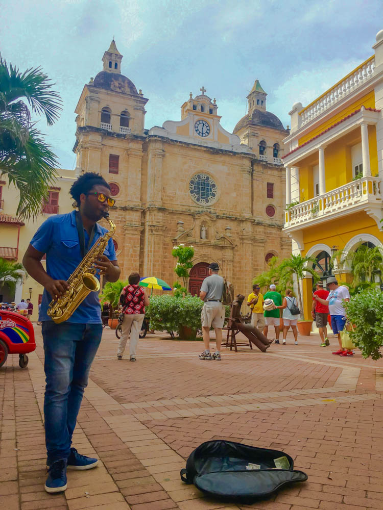 things to do in cartagena. music and architecture in the plaza