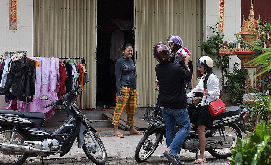 motorbikes and family in cambodia