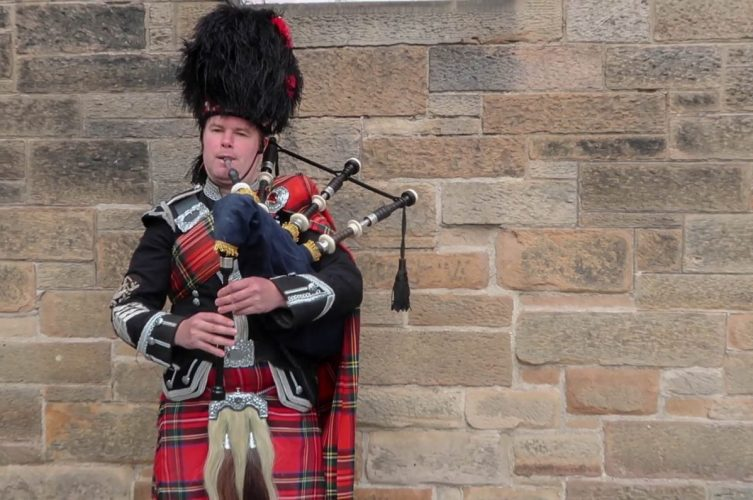 UK road trip Bagpipes