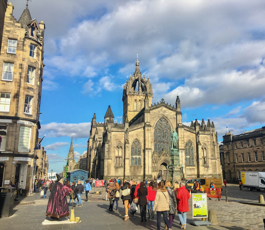 the royal mile edinburgh scotland