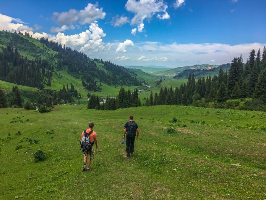 trekking jyrgalan kyrgyzstan