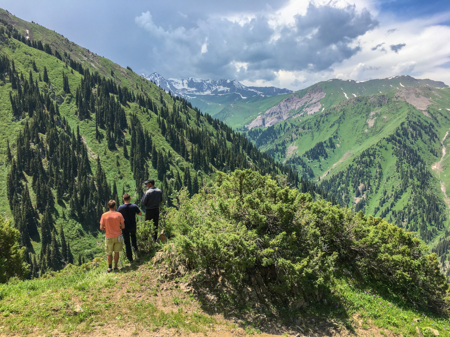 how to trek the keskenkija trail in jyrgalan kyrgyzstan