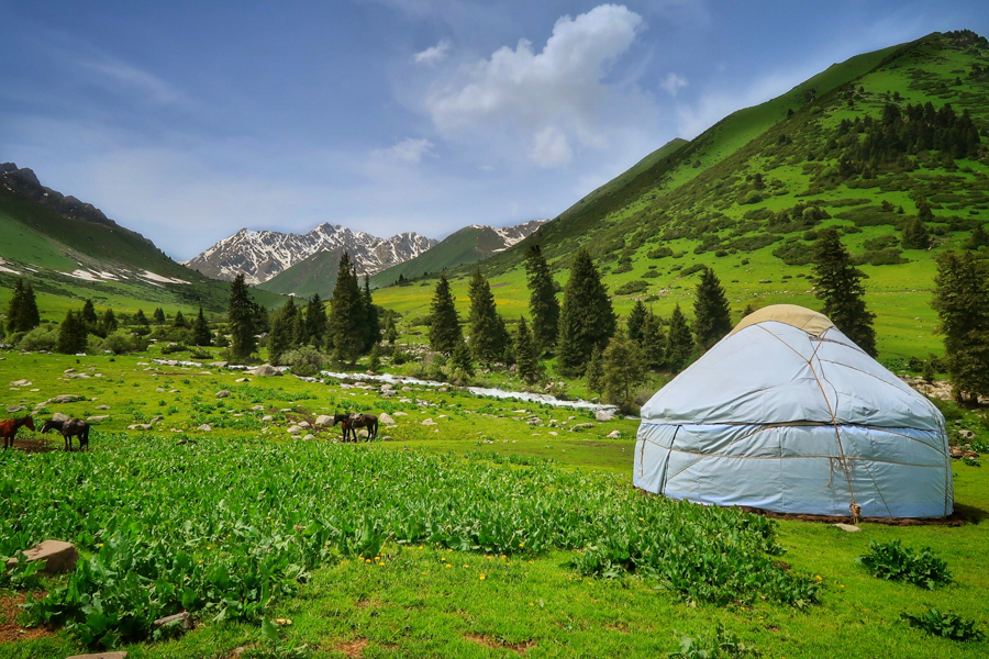 travel to kyrgyzstan trekking keskenkija trail jyrgalan