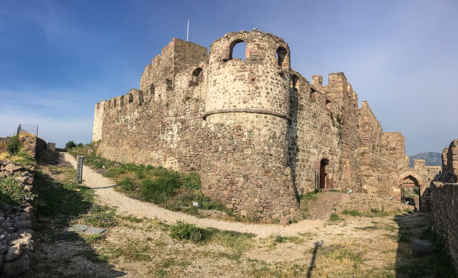 travel to molyvos greece castle in lesvos