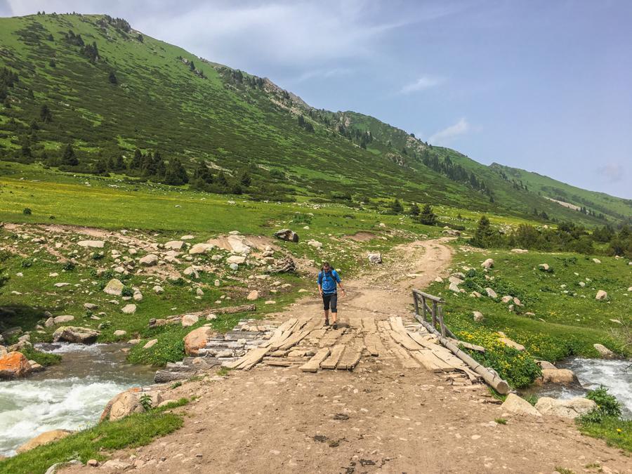 trekking keskenkija trail jyrgalan kyrgyzstan