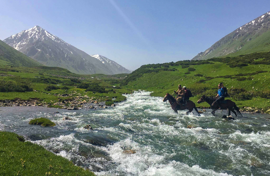 travel to jyrgalan kyrgyzstan trekking keskenkija