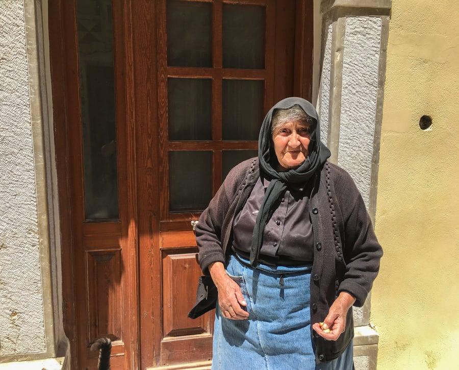 travel to pyrgi village chios greece