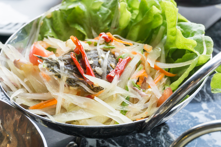 Papaya salad Som Tum Thai food must try food in thailand