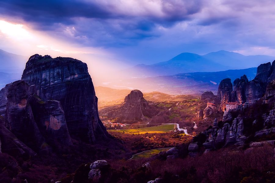 weather in greece-sunset-mountains
