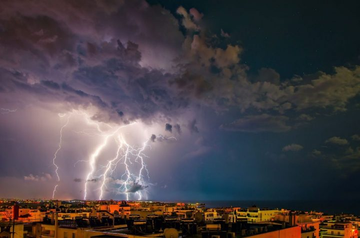 weather in greece-lightning-storm-greek-islands