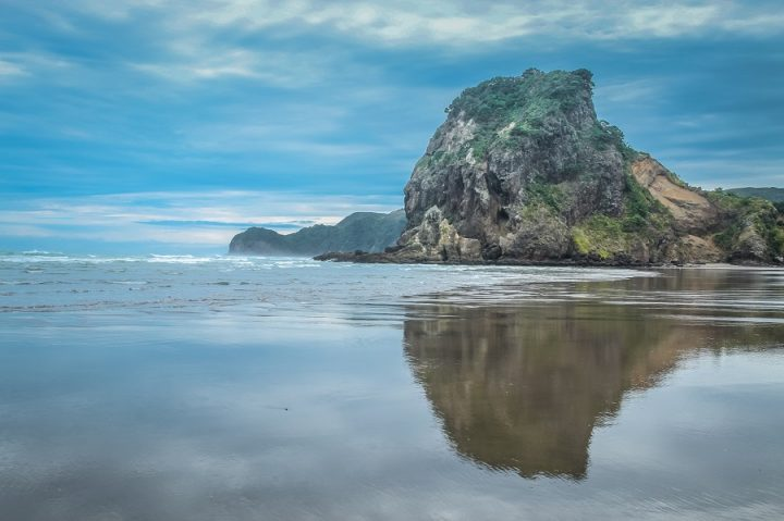 New Zealand Country Guide. Piha Beach. Photo by beardandcurly.com.