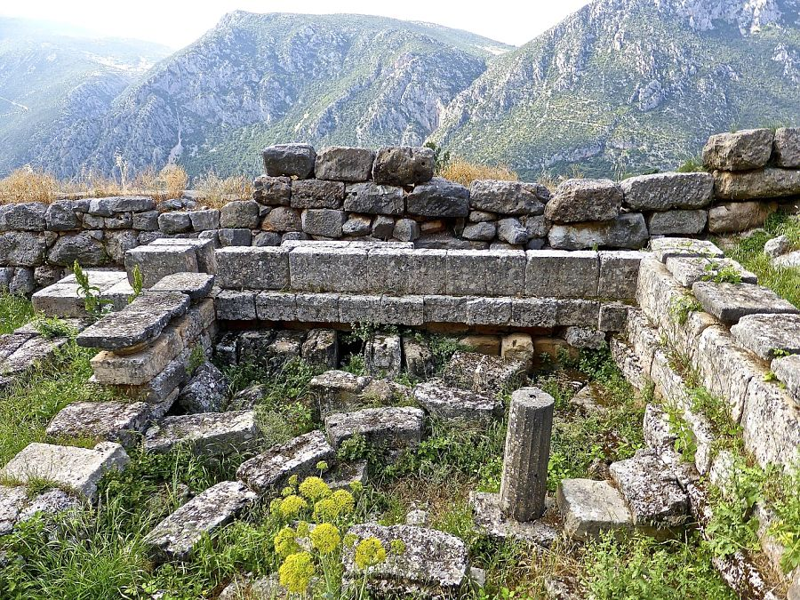 Places to visit in Greece-mycenae-ruins