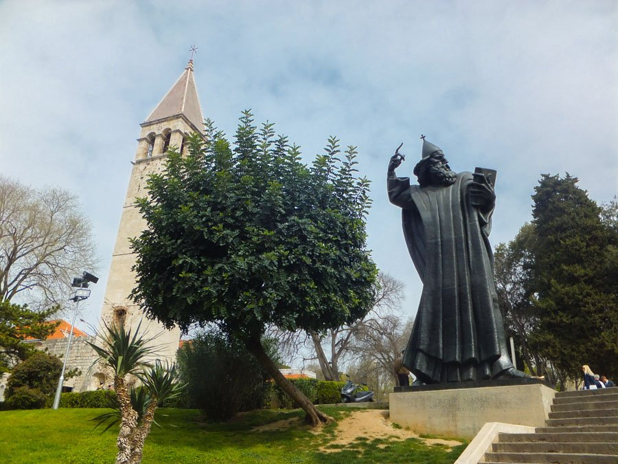 Statue of Gregory of Nin - Things to do in Split