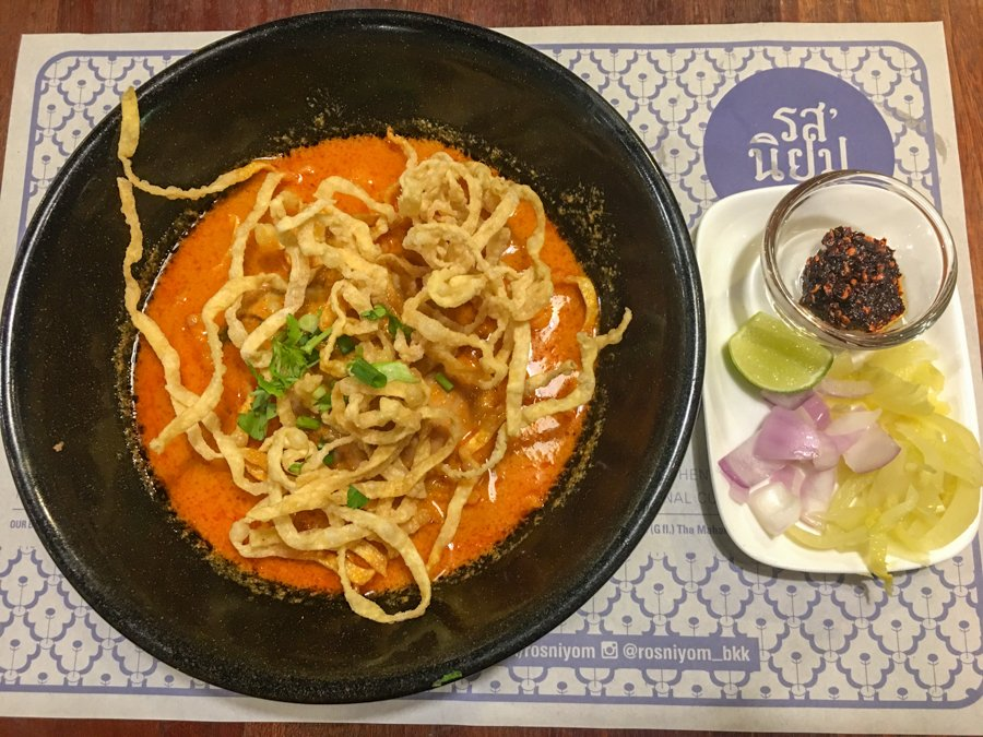 eating thai food in chiang rai is one of the best things to do in chiang rai