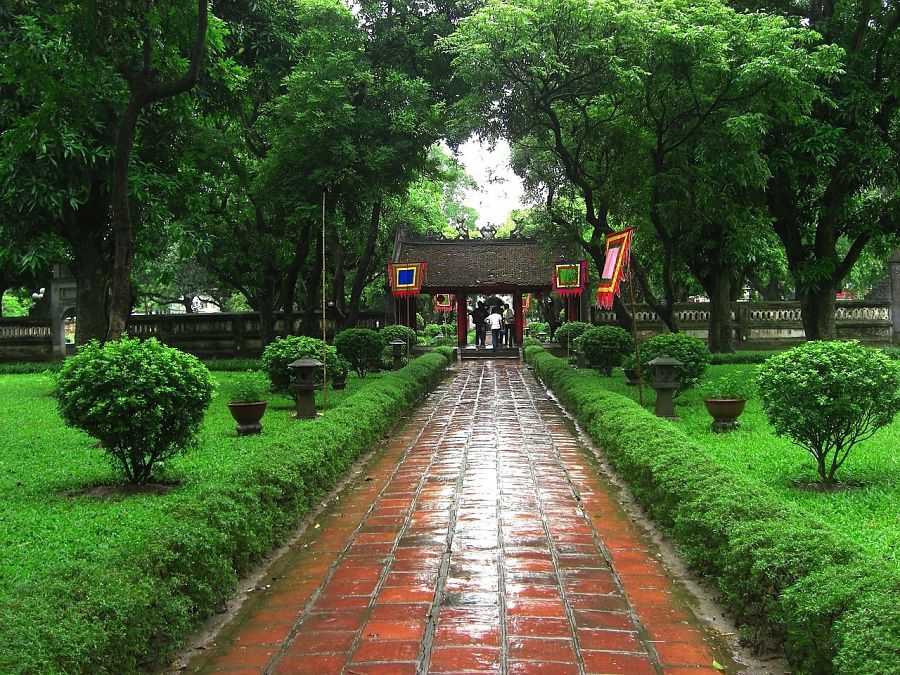 Things to do in Hanoi-temple-literature-vietnam